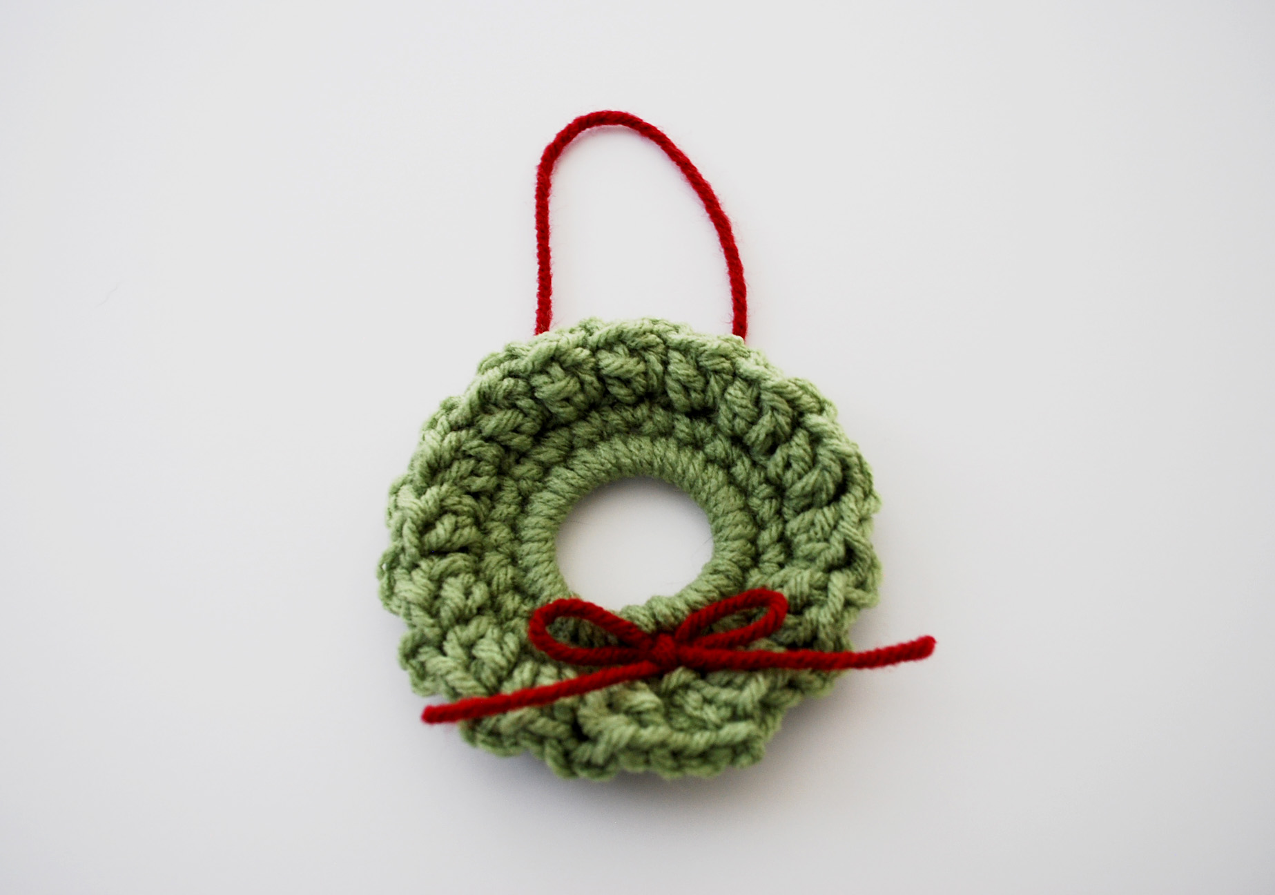 Free Crochet Pattern For Christmas Wreath : Pics Photos - Crocheted Christmas Wreath Ornaments Free ...