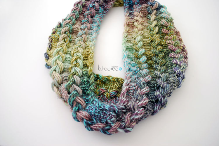 Knitting Hairpin Lace Pattern : Hairpin Lace Infinity Scarf: Free Pattern and Video Tutorial