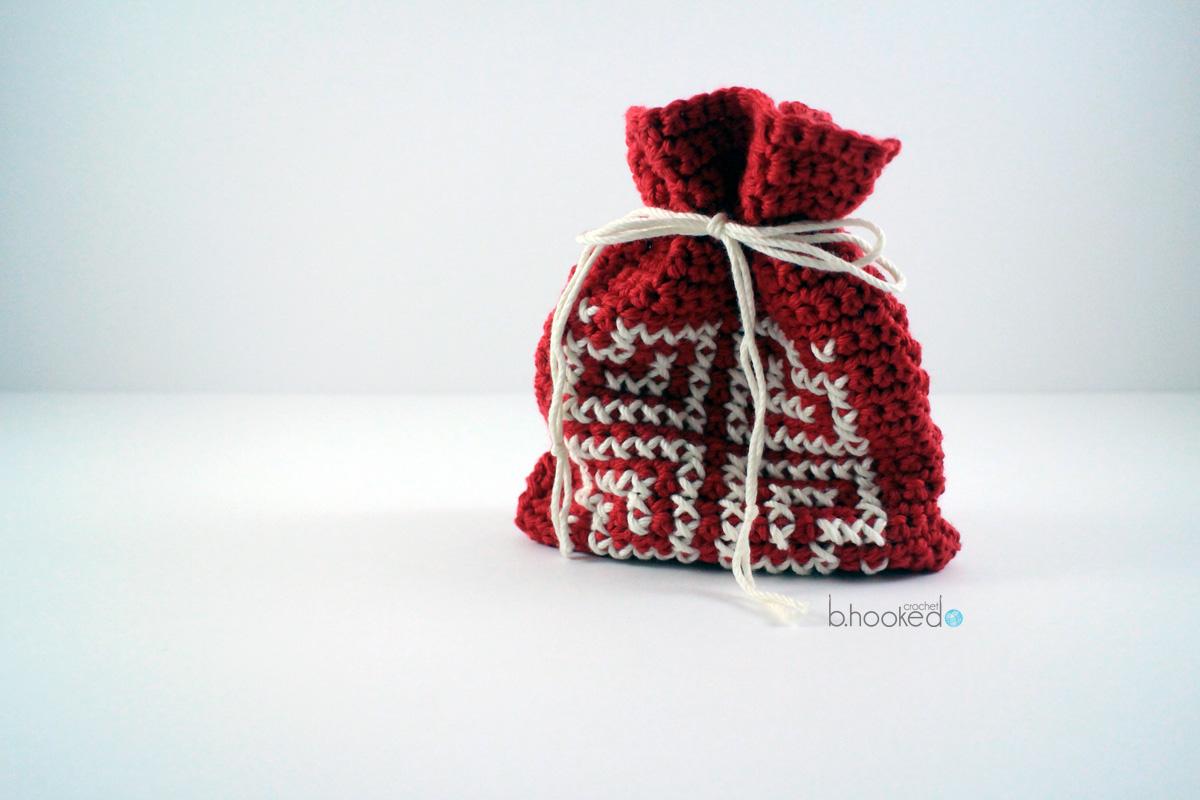 crochet valentine goody bag