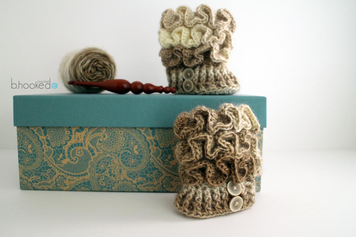 Crochet Ruffled Baby Booties