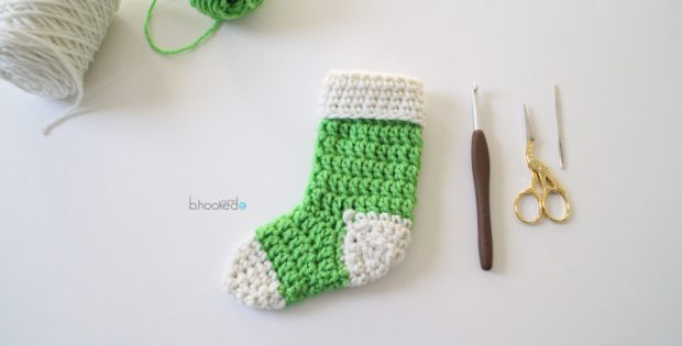 crochet-mini-stockings-free-pattern