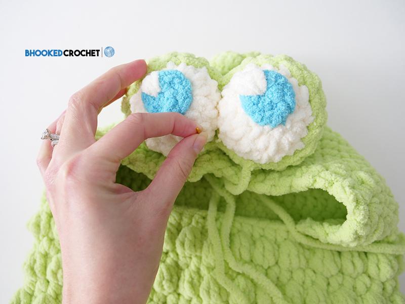 crochet frog eyes
