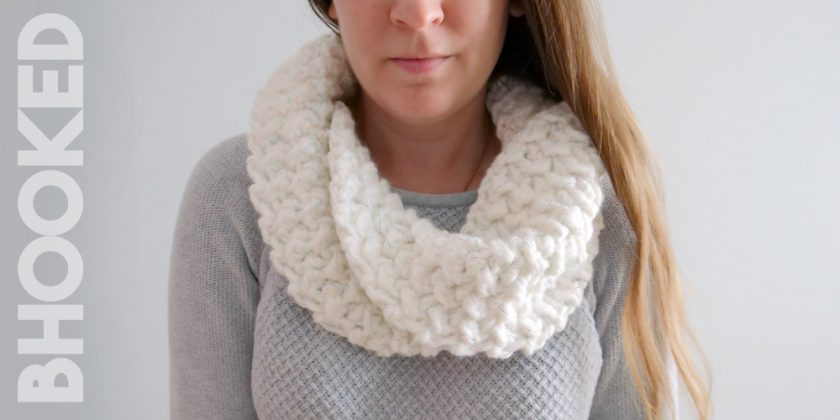 Simple Twist Crochet Cowl