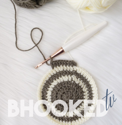 crochet stripes in the round
